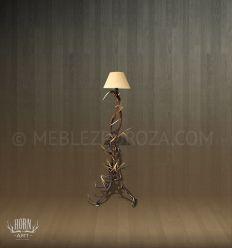 lampa stojąca z poroża